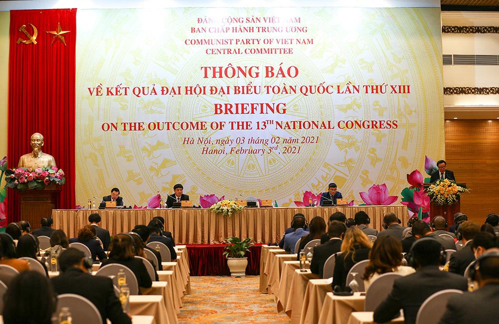 Nhà cầm quyền CSVN sẽ dịch văn kiện đại hội 13 sang 7 thứ tiếng cho thế giới tham khảo