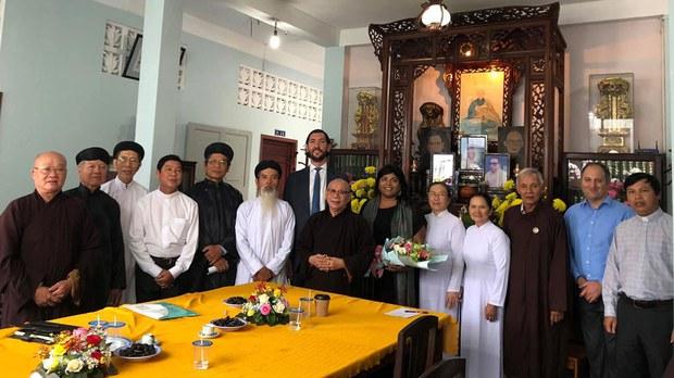 Việt Nam có tự do tôn giáo không? (Phạm Trần)