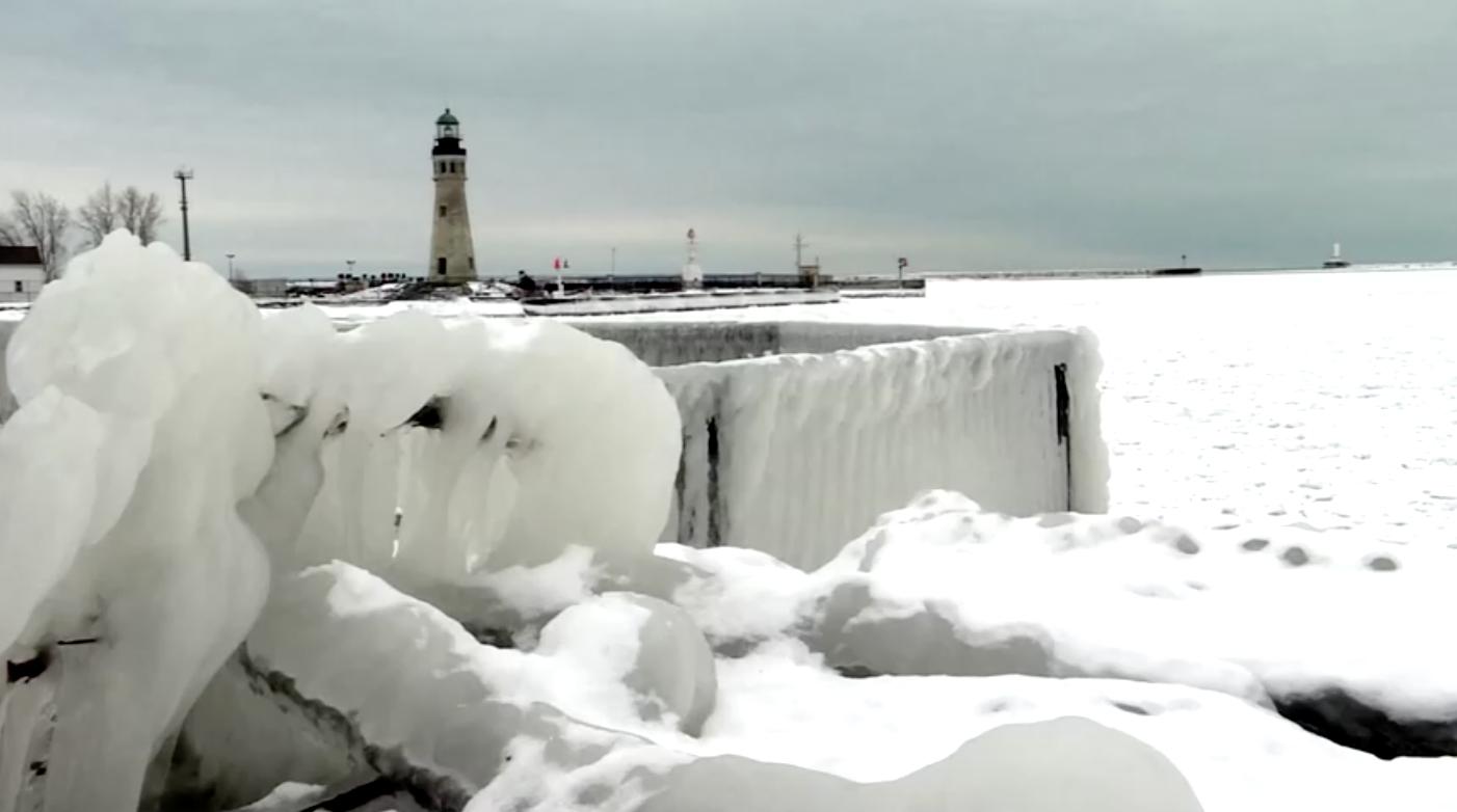 Một cơn bãomùa Đôngchuẩn bị đổ bộvàoTexas vài ngày sau vụ tai nạn chết người do mặt đường bị đóng băng
