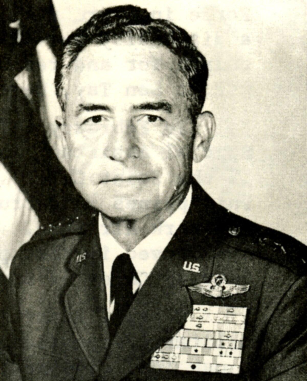 Chỉ huy đột kích nhà tù Sơn Tây Leroy Manor qua đời ở tuổi 100
