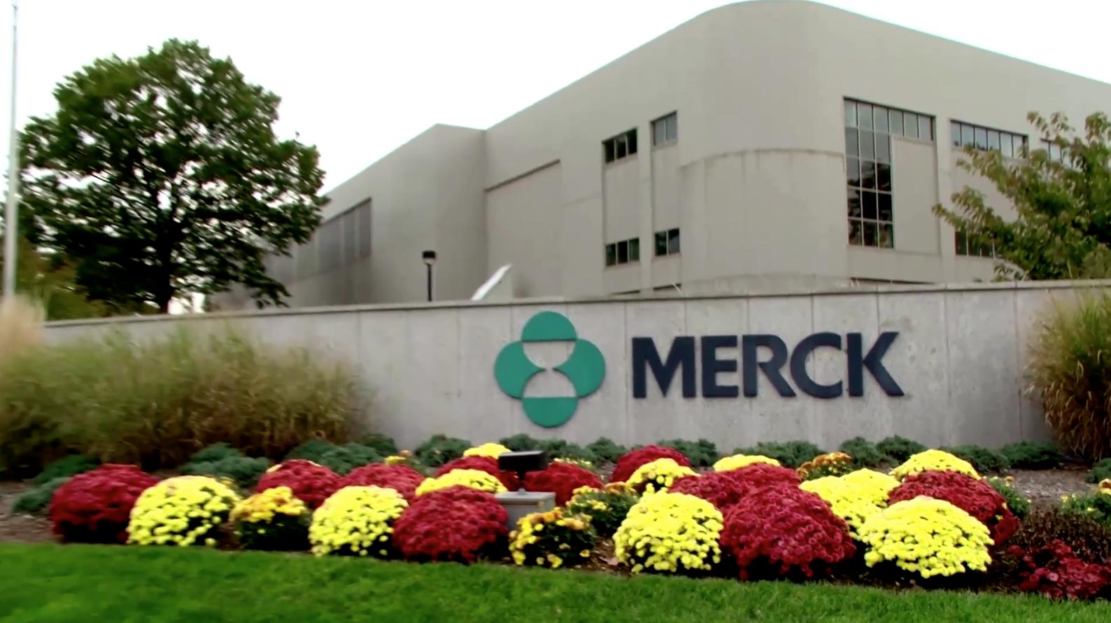 Hãng Merck sẽ giúp sản xuất vaccine ngừa COVID-19 của hãng Johnson & Johnson