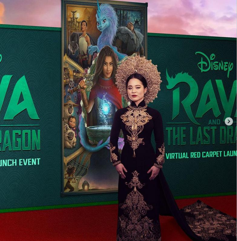 """Nữ ngôi sao người Mỹ gốc Việt mặc áo dài tham dự buổi ra mắt phim """"Raya and The Last Dragon"""""""