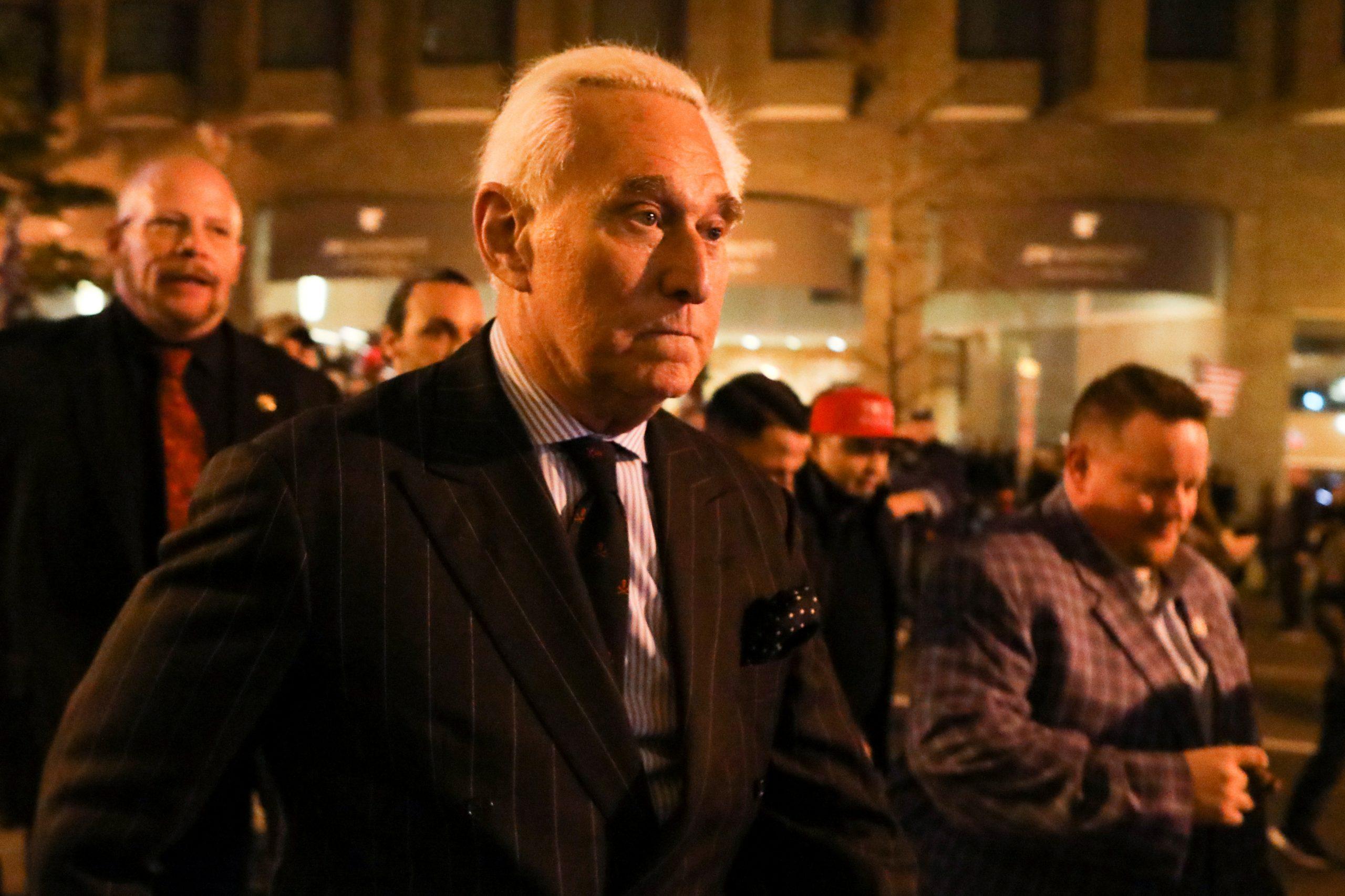 Bộ Tư pháp kiện ông Roger Stone vì nợ 2 triệu mỹ kim tiền thuế