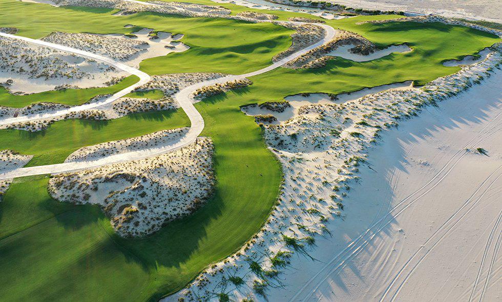 Mỗi tháng nhà cầm quyền cấp phép cho 2 dự án sân golf