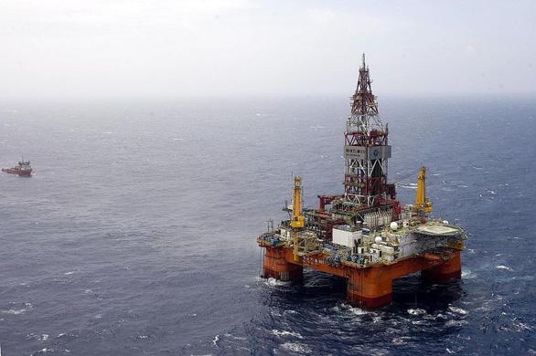 Trung Cộng đã khoan sâu xuống biển Đông, CSVN tuyên bố vẫn theo dõi sát tình hình