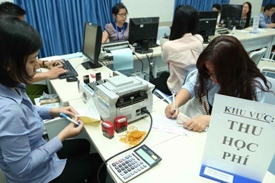 Nhiều trường đại học ở Sài Gòn do bộ giáo dục cộng sản cai quản tăng mạnh tiền học phí