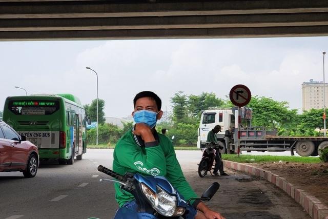 Lương cử nhân ở Việt Nam chỉ bằng một nửa thu nhập của xe ôm