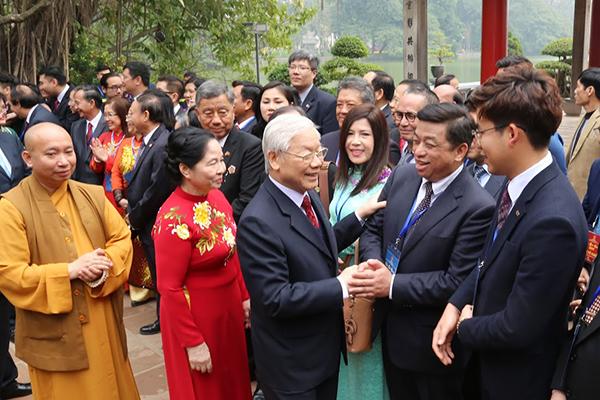 Báo Vietnamnet nói một bộ phận người Việt hải ngoại giữ định kiến, chưa có nhận thức phù hợp với dân tộc