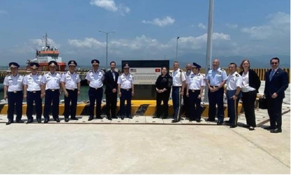 Hoa Kỳ bàn giao trung tâm huấn luyện cho tuần duyên CSVN