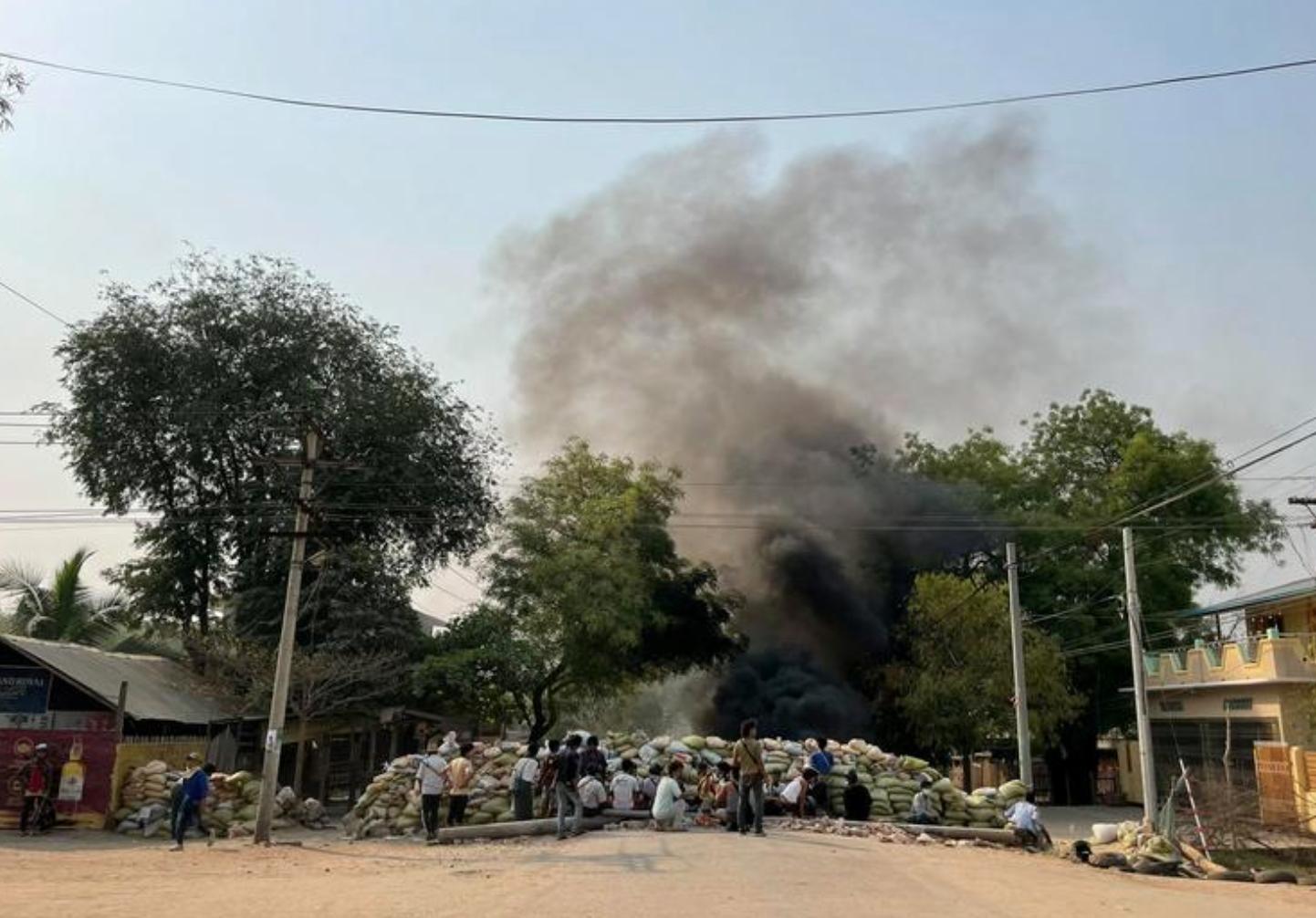 5 người thiệt mạng khi những người biểu tình Myanmar bất chấp sự đàn áp của quân đội