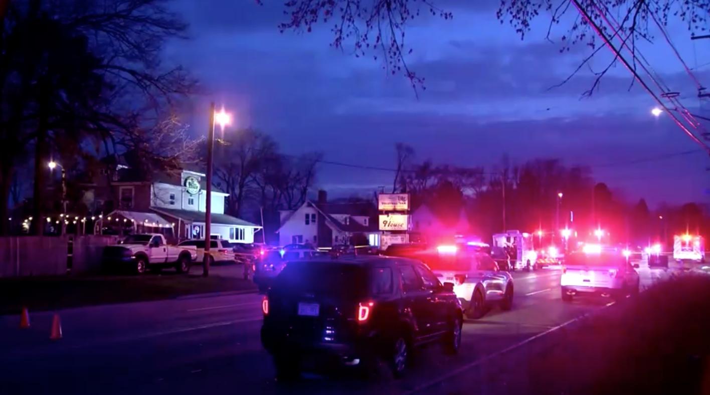 Nghi can nổ súng trong một quán bar Wisconsin khiển 3 người thiệt mạng đã bị bắt
