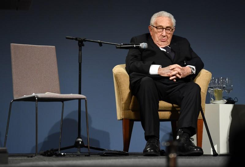 Cựu Ngoại Trưởng Henry Kissinger khuyến cáo Hoa Kỳ và Trung Cộng nên tránh nguy cơ xảy ra chiến tranh trí tuệ nhân tạo