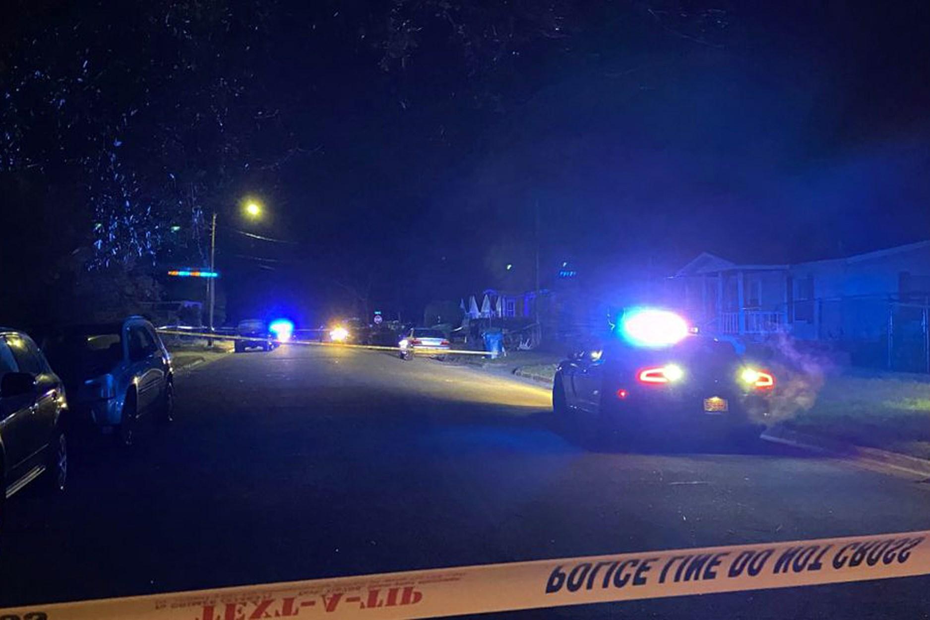 Ba người chết, bốn người bị thương trong vụnổsúng tại bữa tiệc tư gia ởNorthCarolina
