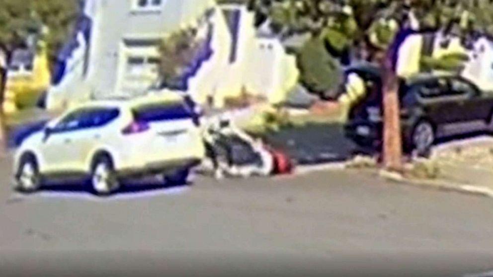 Video ghi lại cảnh người phụ nữ châu Á bị cướp bằng súng ở San Francisco