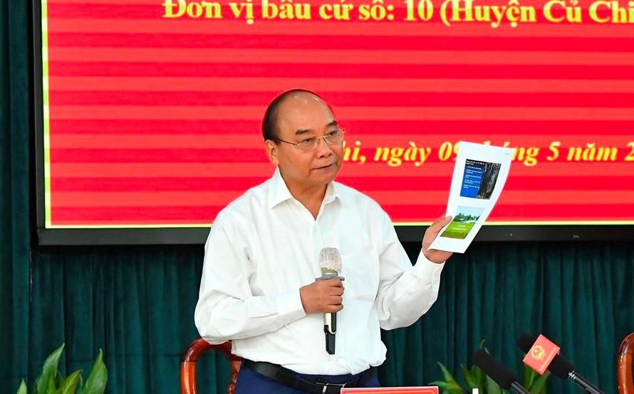 """Nguyễn Xuân Phúc cho rằng """"dân chủ tào lao"""" sẽ làm loạn đất nước"""