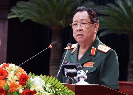 """Tướng quân đội CSVN yêu cầu phải """"quan tâm"""" đến người like, chia sẻ, bình luận các bài viết của thế lực thù địch"""