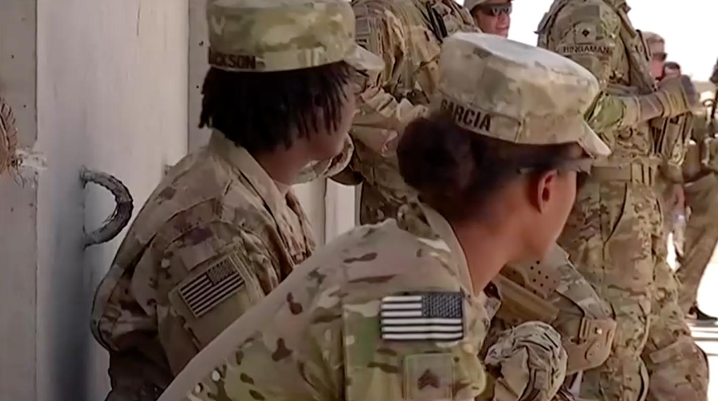 Taleban và lực lượng Afghanistan giao tranh sau khi Hoa Kỳ bàn giao căn cứ