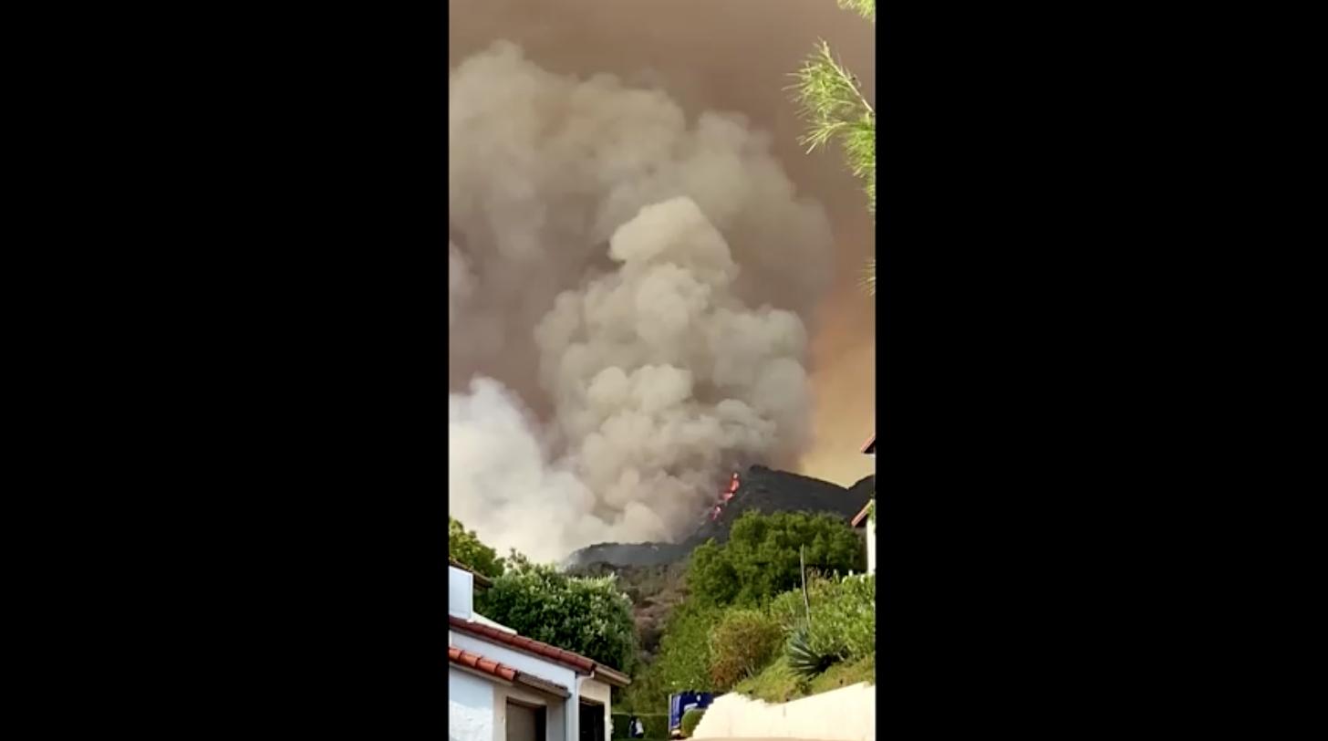 Cảnh sát bắt giữ một nghi can liên quan đến vụ cháy rừng tại miền tây Los Angeles