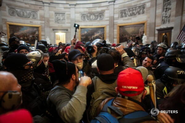 Nhiều nghi can bạo loạn tại tòa nhà Quốc Hội nói rằng họ bị lừa bởi các thông tin sai lệch về bầu cử