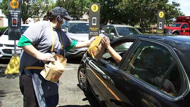 McDonald's sẽ tiêm vaccine COVID-19và tặngphần ănmiễn phí tại một sốnhà hàng ởNamCalifornia