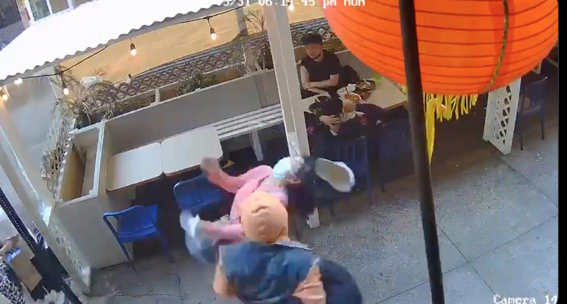 Một ông vô cớ tấn công phụ nữ gốc Á tại phố tàu New York