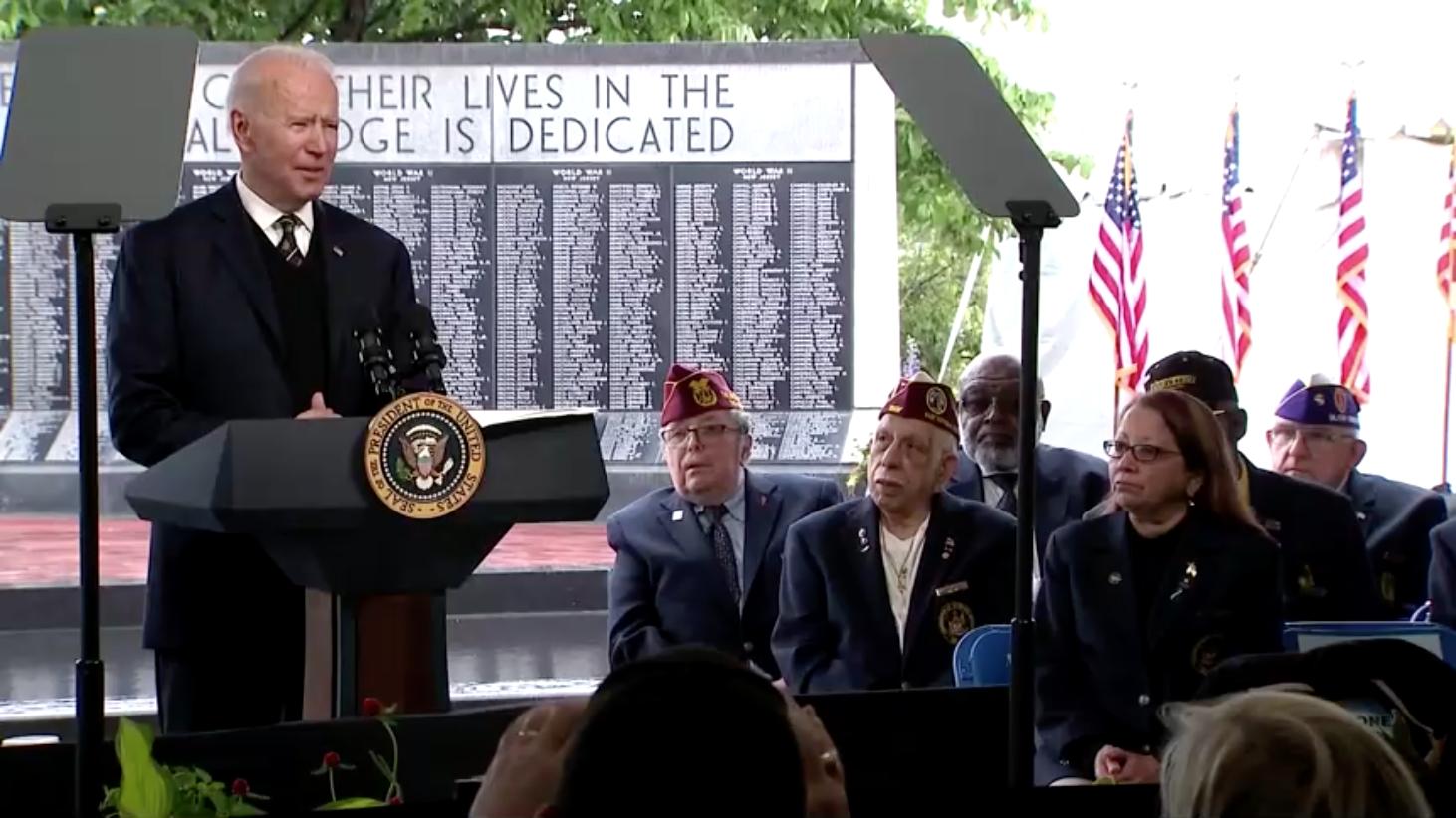 Tổng Thống Joe Biden ra lệnh cấm đầu tư vào hàng chục công ty kỹ thuật, quốc phòng Trung Cộng