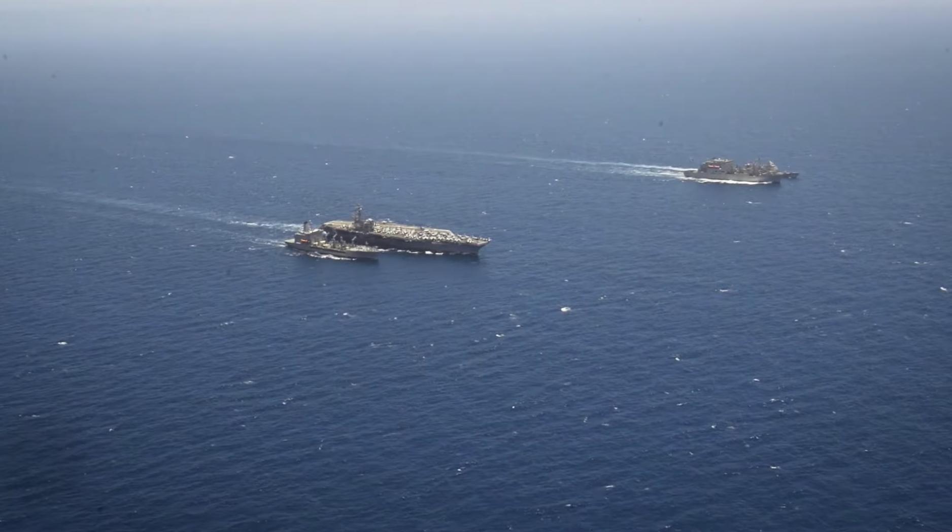 Hàng không mẫu hạm Hoa Kỳ tiến vào biển Đông