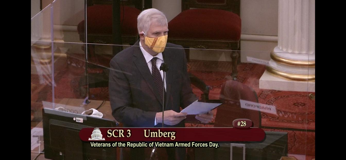 Thượng Nghị Sĩ Tom Umberg đệ trình nghị quyết SCR 3 vinh danh ngày Quân Lực Việt Nam Cộng Hòa 19 tháng Sáu