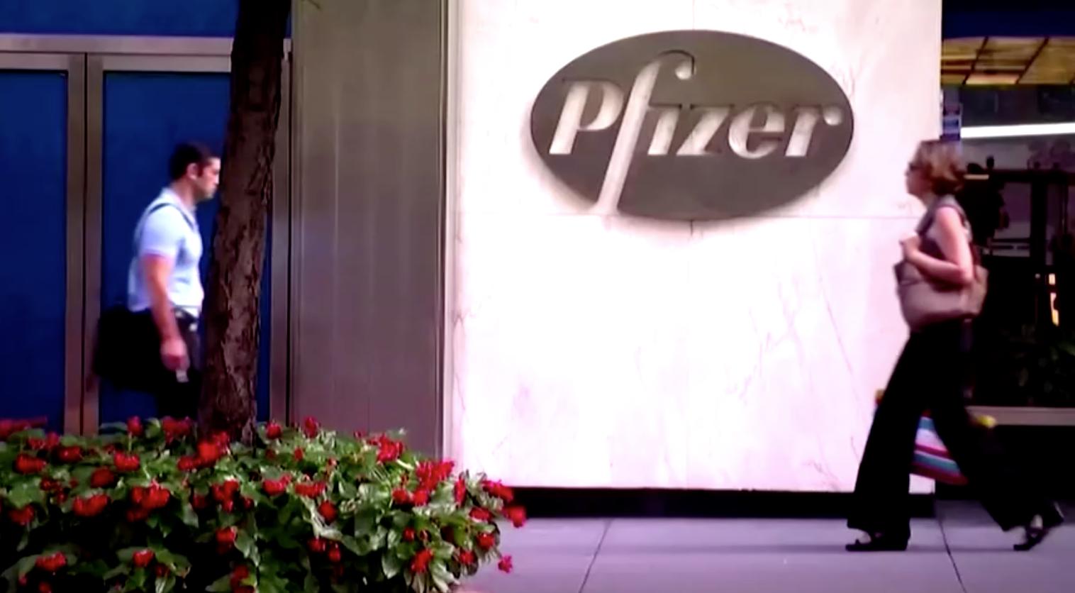 Pfizer cam kết trao 20 triệu liều vaccine cho trẻ em Việt Nam