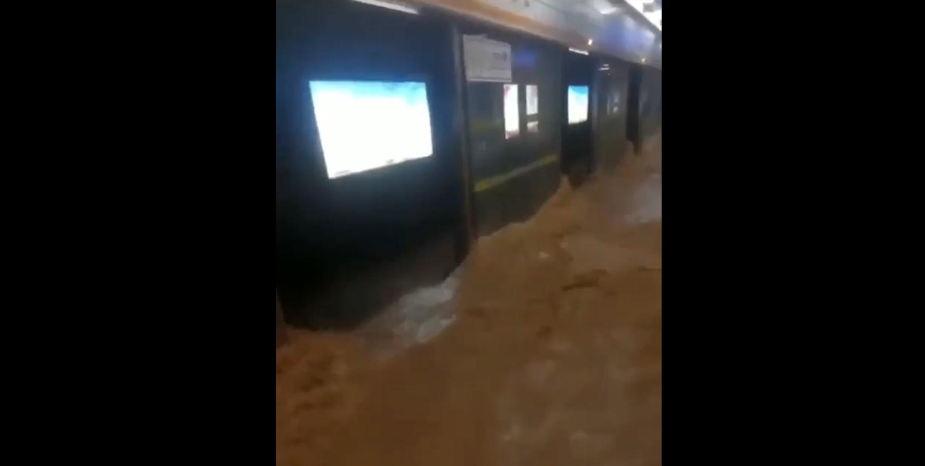 12 người thiệt mạng khi lũ lụt làm ngập tàu điện ngầm ở Trung Cộng