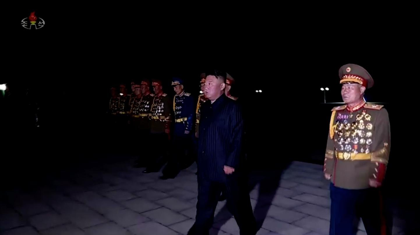Bắc Hàn và Nam Hàn khôi phục đường dây nóng khi các nhà lãnh đạo tìm cách xây dựng lại quan hệ