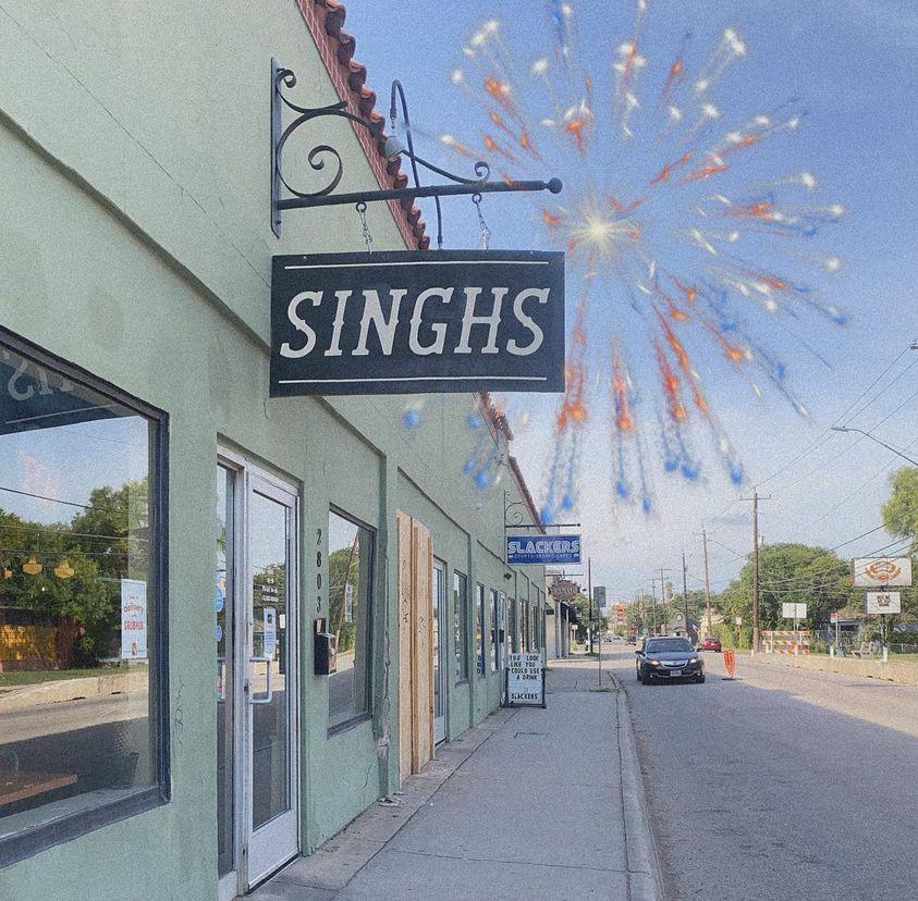 Tài xế xe hơi lái xe tông vào nhà hàng nổi tiếng Singhs Vietnamese ở St.Mary's Strip lúc rạng sáng
