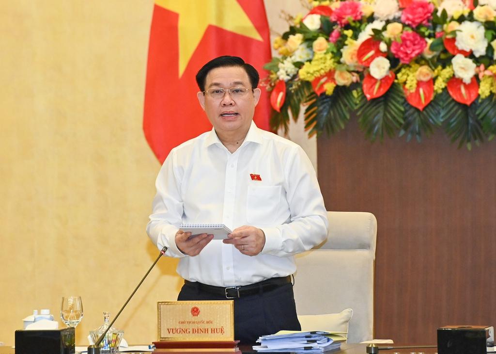Trưởng ban Công tác đại biểu Cộng sản đề nghị lấy quỹ bảo hiểm thất nghiệp của người dân để mua vaccine COVID-19