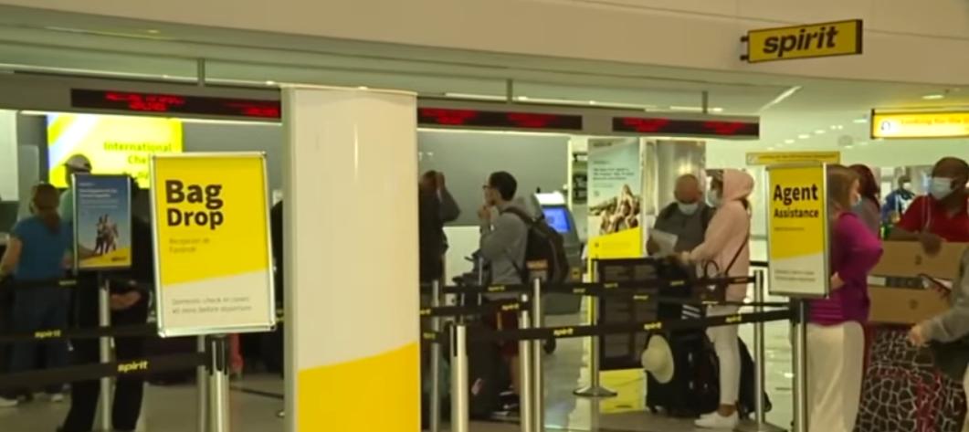 Hàng ngàn hành khách bị ảnh hưởng sau khi Spirit và American Airlines hủy chuyến bay