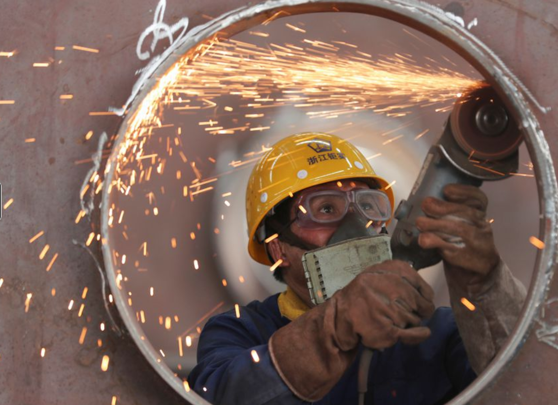 Hoạt động nhà máy của châu Á bị ảnh hưởng bởi chi phí tăng cao và biến thể Delta