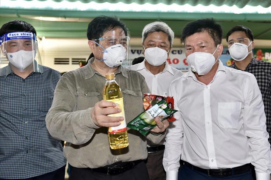 COVID-19 đang giết kinh tế Việt Nam (Phạm Trần)