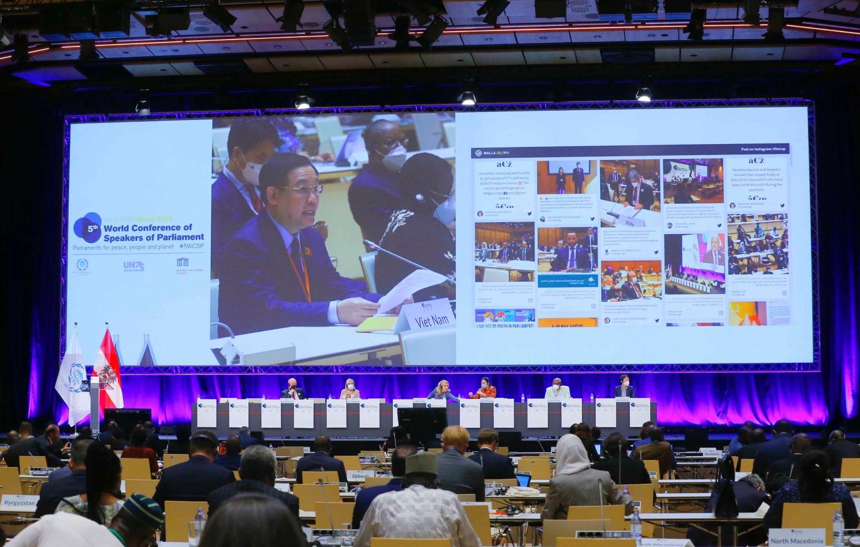 Chủ tịch quốc hội CSVN chia sẻ kinh nghiệm chống dịch với nghị viện thế giới
