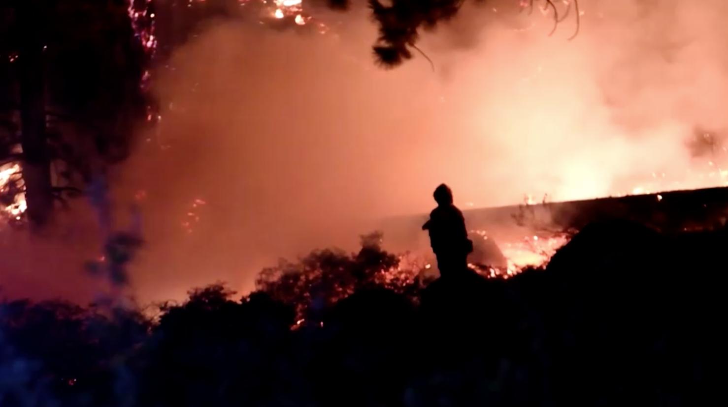 Cháy rừng tại khu vực Lake Tahoe khiến hàng ngàn người phải di tản