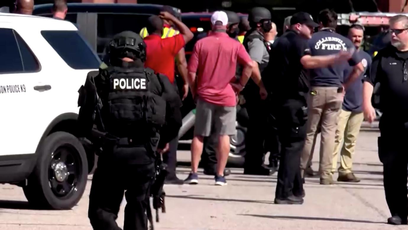 Nổ súng xảy ra tại Tennessee, 12 người bị thương và 2 người chết, bao gồm nghi can