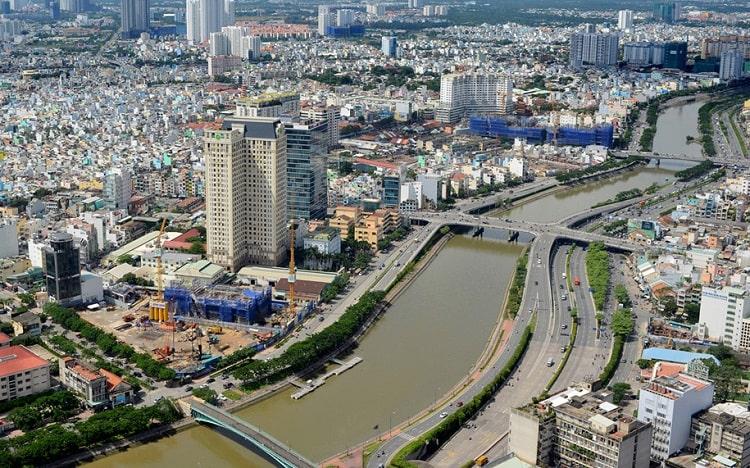 Kinh tế Việt Nam lâm nguy (Phạm Trần)